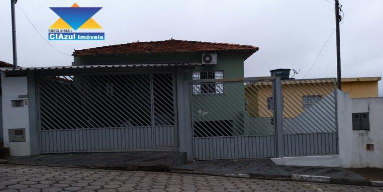 Casa no centro de Itapecerica (1)